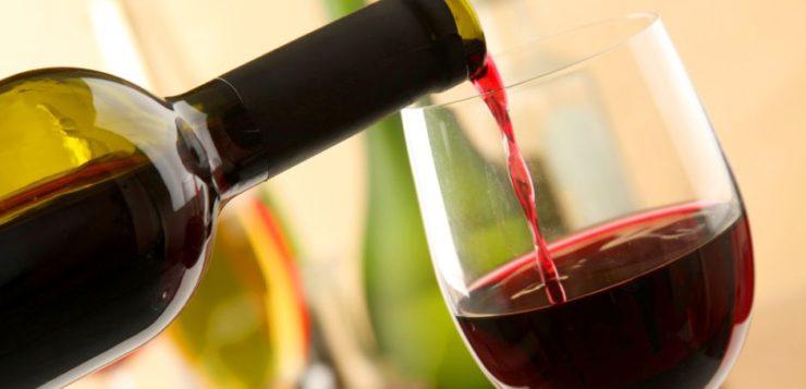 ¿El vino tinto es realmente bueno para la salud?
